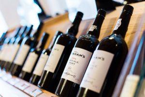 produkcja wegańskich napojów i win